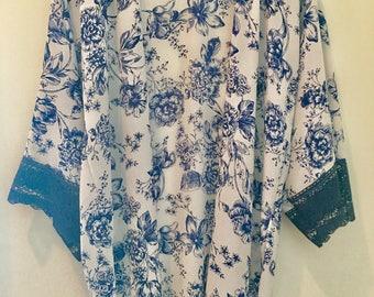 Blue Floral Lace Arm Kimono