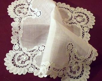 wedding handkerchief, handkerchief lace, embroidered handkerchief, handmade, vintage hankie, vintage linens - 1 M