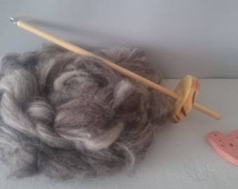 British Drop spindle wool spinning kit 50g - black white jacobs wool - chemical free - spin your own gloves -  natural craft kit