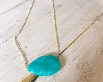 Turquoise necklace - Howlite necklace - Turquoise - Howlite - Gold necklace - Gold and Turquoise - Turquoise jewelry - Gold jewelry - Gift
