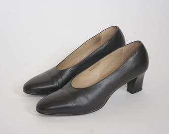 Vintage The Shoe Loft Black Leather Pumps - Round Toe High Heel - Stacked Wood Heel - Women's 6.5 M - Made In Brazil