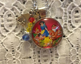 Snow White and the Seven Dwarfs Charm Necklace/Snow White Necklace/Snow White Jewelry/Seven Dwarfs Necklace/Disney Princess Jewelry