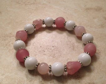 Pretty in pink glass bead stretchy bracelet