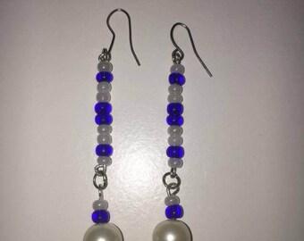 Blue and white acryl elegant earring