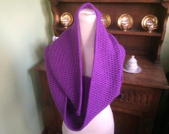Infinity scarf, Purple scarf, Purple cowl, Hand Made, Hand crochet, Crocheted infinity scarf, Crochet scarf, light  purple yarn