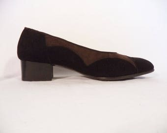 60s mod color blocked chunky heel flats// Brown black suede leather minimalist low pump// Vintage Gioiello Italy// Women  37 IT 7 USA