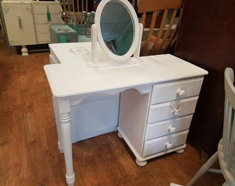 Dressing table & mirror in clotted cream. Solid pine. Gorgeous