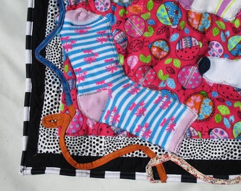 Quilt theme-LADYBUGS-Baby/Toddler/Dog Quilt Hot Pink-Dancing Socks- (A11)