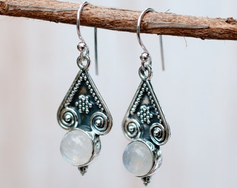 Moonstone Earrings ~ Sterling Silver 925 ~ June Birthstone ~ Gemstone ~ Dangle ~ Handmade ~ Jewelry ~ Gift For Her ~ Maresia ~ Boho ME008