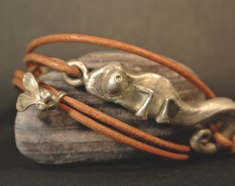 Wilma, bracelet with toggle clasp, Silber925 with leather band, Chameleon & fly, bracelet, silver, leather