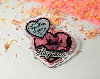 My heart belongs in Hogwarts! - Laser Cut Illustrated Acrylic Brooch - tattoo flash design pin collar clip harry potter castle