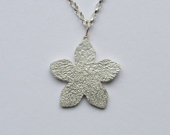 Flower necklace, silver flower necklace, flower jewellery, silver flower jewellery, bridesmaid necklace, flower pendant