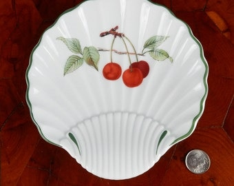 Royal Worcester Evesham Shell Shaped Dish Cherries 16006