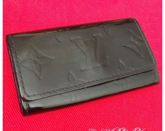 Authentic Vernis Louis Vuitton 4-key Cles lovingly restored in black!