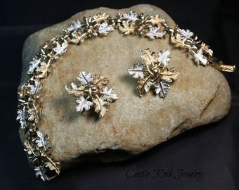 Sarah Coventry Signed Vintage 1960's Silver and Gold Tone Leaf Bracelet with Matching Clip-On Earrings set. Very Detailed.