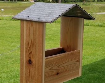 CEDAR BIRD FEEDER, Functional