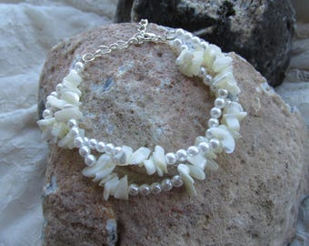 Pearls and shell bits summer bracelet