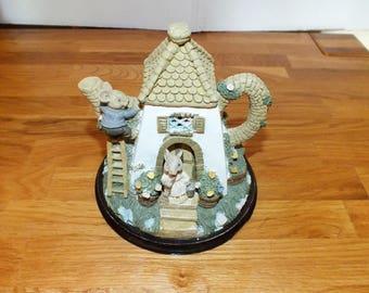 Collectible Vintage Mouse Cottage Teapot