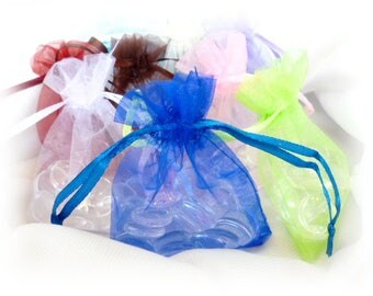 To choose Organza gift bags/ GIFTS /Colored Bags of 70 x 90 mm / pack 20 pcs