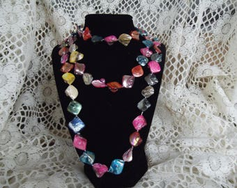 Mother of Pearl Opera Lenght Strand necklace