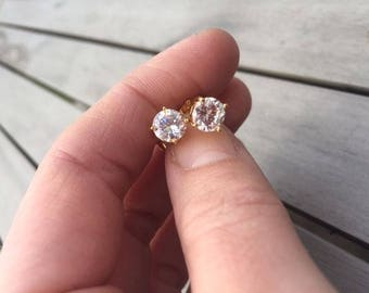 Solitaire White Topaz White Sapphire 18ct yellow Gold filled stud earrings