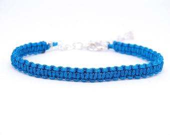 Macrame bracelet, blue / silver