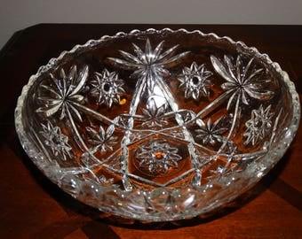 Vintage Starburst Scallop Edge Glass Serving Bowl