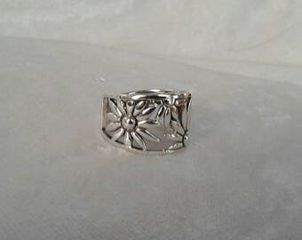 Flower Ring, Solid Sterling Silver Flower Ring, Hippie Ring