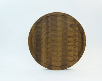 Large round end cutting board made from oak