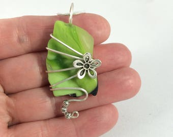 Lime green glass, sterling silver wire wrapped pendent