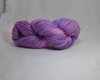 Hand-dyed worsted weight wool - Bubblegum