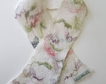 Baby or children scarf.