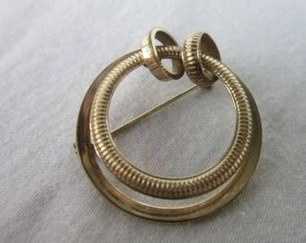Vintage Designer Winard Gold Filled Circle Brooch