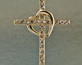 14 Kt Cross pendant w Diamonds & Chain