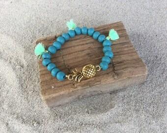 Maui - pearl bracelet wrist pineapple