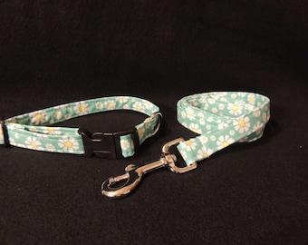 "Medium Dog Collar and / or 4 Foot Leash 3'4"" Wide Daisy Daisies"