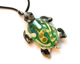 Bright green Sea Turtle necklace, Lamp Work Glass Bead encsed ocean pendant, ready to wear glass jewelry, Isinglass Design, glassbead
