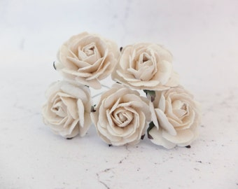 5 35mm off white mulberry roses - paper flowers (Style 1)