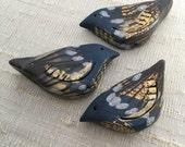 Gilded Bramble Bird Bead - Midnight