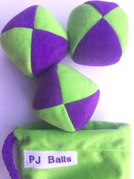105g - 3 beginner JUGGLING BALLS With Bag - Beight Green and Purple