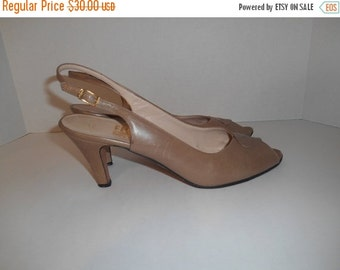 30% Off SALE Vintage Salvatore Ferragamo  heels shoes sandals    Women's Shoes Size US 10 AAAA   made in Italy