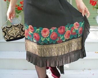Gloria Swanson 1920s Black silk and Roses with Lamé  trim Dress Vintage