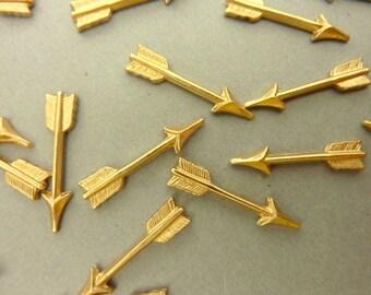 12 Brass Arrows Die Struck 18 mm