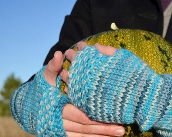 February Sale Linen Stitch Fingerless Mitts - Wintermitts in Blues. Hand Knit for Your Handmade Fall Wardrobe. 100% Wool for Warmth & Sustai
