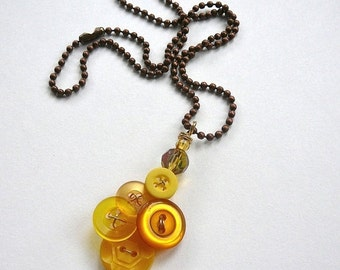 Holiday Jewelry Sale Honey Gold Yellow Vintage Button Pendant Necklace - Button Jewelry