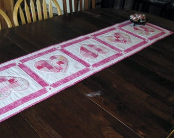 Quilted table runner with appliqued hearts, pink and white, handmade, Valentine's Day