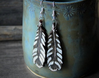 Beautiful woodpecker leather feather collection - gypsy earrings - by Fanny Dallaire -  leather work