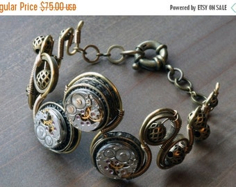 HAPPY HOLIDAYS SALE - Steampunk Jewelry -  Bracelet with Antique watch movement