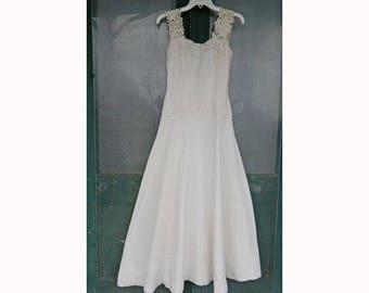 1970s Long White Garden Party Wedding Dress
