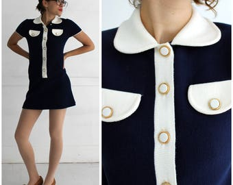 Vintage 1960s Mod Navy and White Knit Short Sleeve Mini Shift Dress with Peter Pan Collar by Peck and Peck | XS/Small